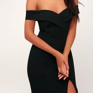 Black Off-the-Shoulder Bodycon Dress